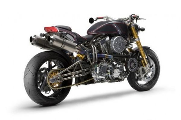 Мотоцикл выглядит очень брутально