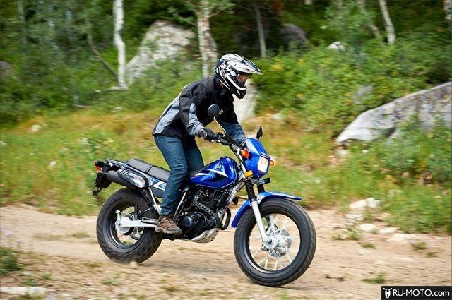 Yamaha TW200. Фото в динамике