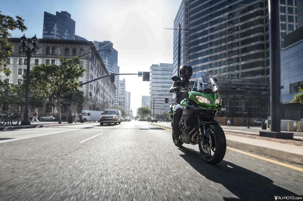 Kawasaki Versys в движении.