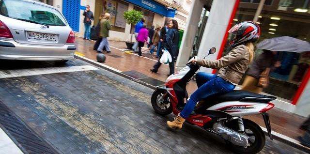 Нужны ли права на скутер в 2015 году